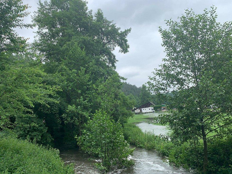 V Mariánském údolí hrozí vylití řeky.