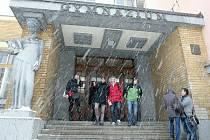 Studenti gymnázia se bouří proti nabídce volitelných předmětů.