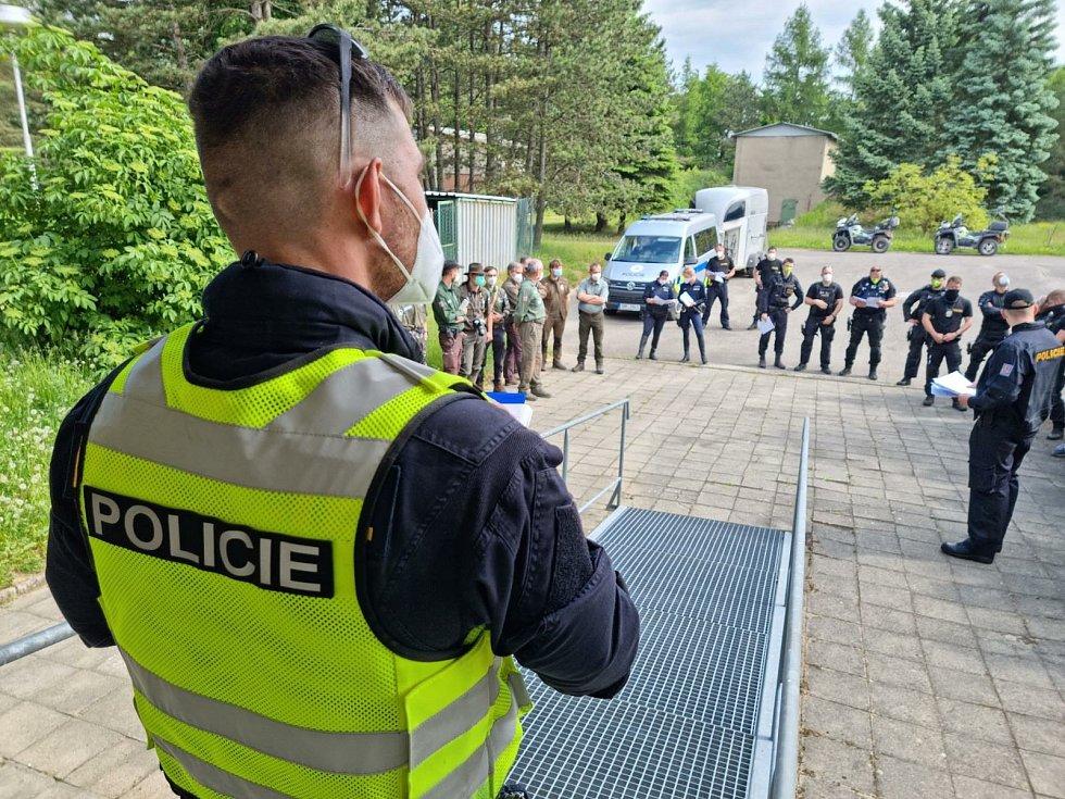 Policisté spolu se strážci v sobotu kontrolovali neukázněné řidiče v Moravském krasu.