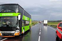 Nehoda se stala asi dva kilometry od Aqualandu Moravia.