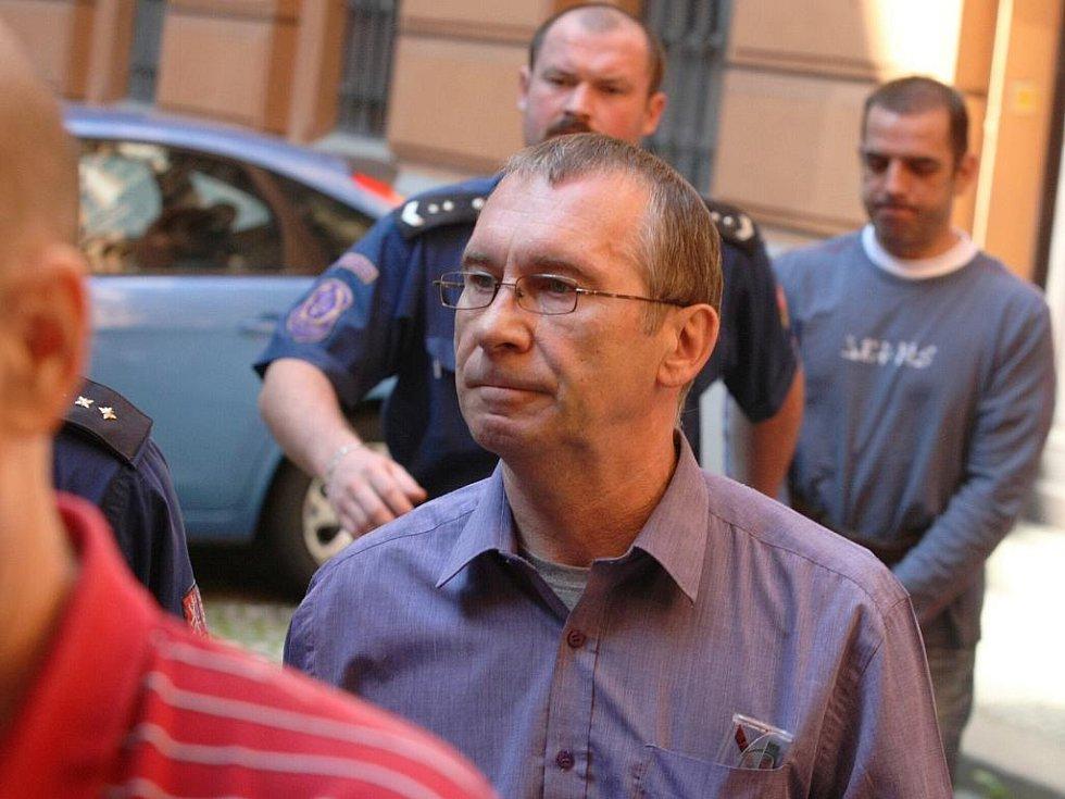 Krzysztof Wiewiórka u brněnského soudu.