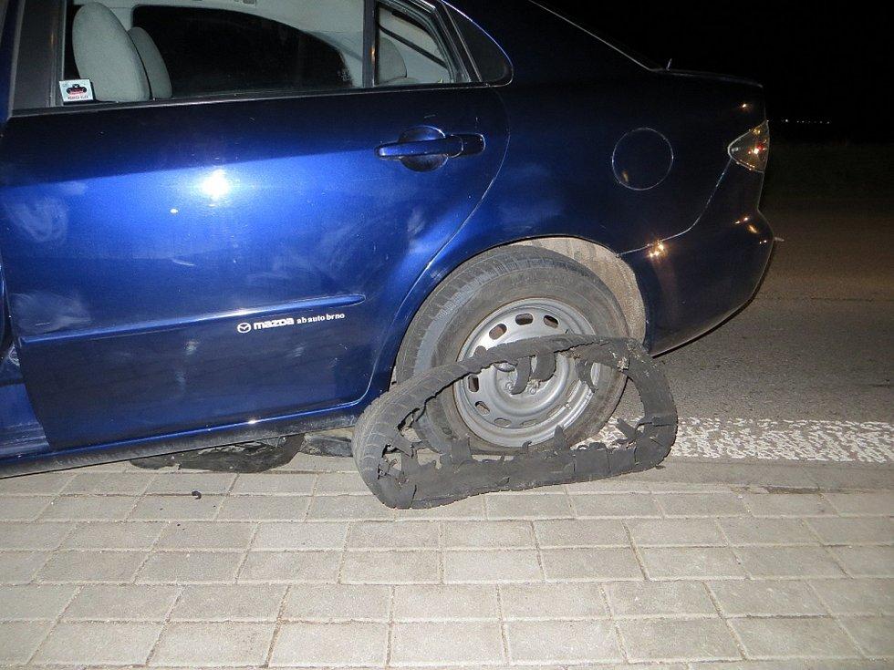Až dvou set kilometrů v hodině dosahovala rychlost řidiče, který ve středu večer na Brněnsku ujížděl policistům.