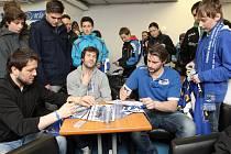 Hokejisté Komety v sobotu fanouškům otevřeli nejen brány Kajot Areny, ale i zákulisí extraligového týmu a haly.
