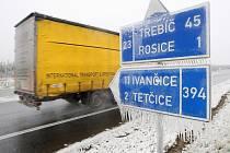 S následky ledové kalamity se potýkala doprava na téměř celé jižní Moravě. Ilustrační foto.