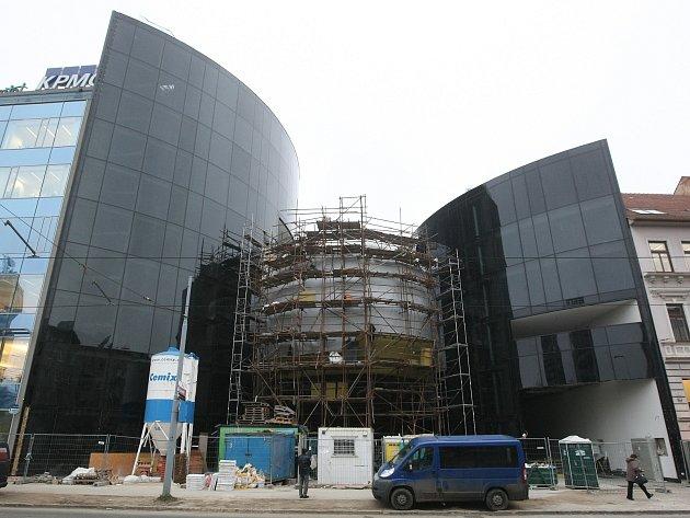V Brně dokončují supermoderní Sonocentrum v ulici Veveří.