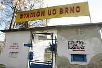 Stadion v brněnských Pisárkách, který využívá Univerzita obrany jako sportovní areál, je na seznamu majetku, jenž chce ministerstvo obrany v příštím roce prodat.