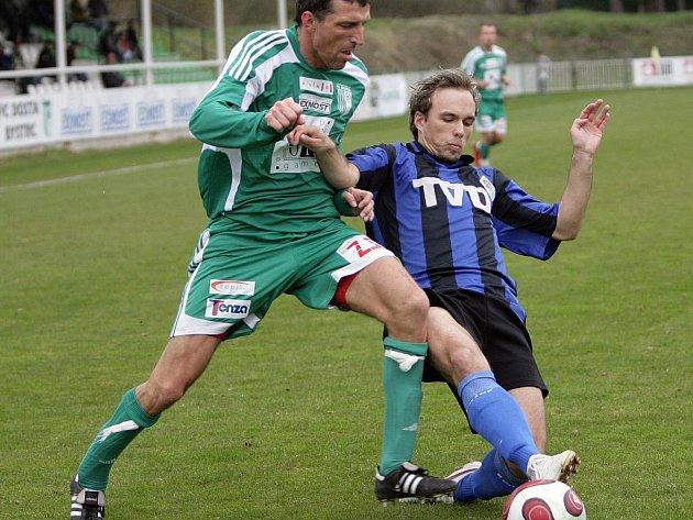 Fotbalisté Dosty Bystrc nestačili na domácím trávníku v neděli na Slavičín. Prohráli 1:3.