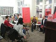 Ivan Langer v Brně představil svou novou knihu Sochobásně v Síti.