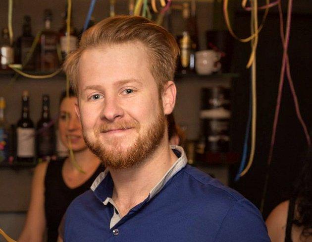 Spolumajitel brněnského baru Tomáš Křemenák.