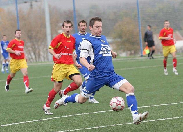 Líšeňský útočník Pavel Outrata srazil dvěma góly Slavii.