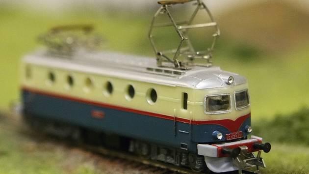 Prohlédnout si nebo i řídit modely současných a historických vlaků mohou zájemci na výstavě klubových kolejišť.