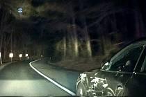 Nebezpečný muž za volantem skončil ve vazbě.