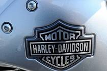 Otto Šmerda byl hnací motor skupiny brněnských vodičů, kteří vybudovali v šedesátých letech nové vodicí motocykly Harley Davidson poháněné koženým řemenem a které měly objem 1200 ccm.