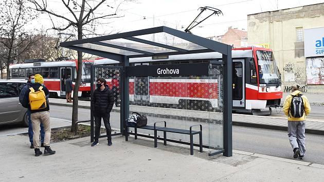 Tramvajová zastávka MHD Grohova.