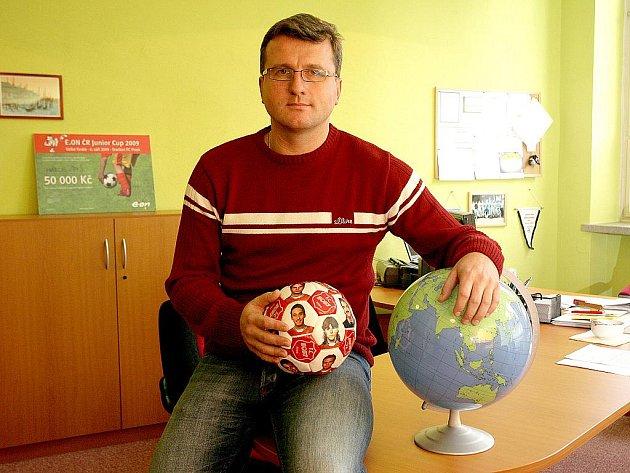 Bývalý fotbalista Jan Maroši je dnes ředitelem základní školy.