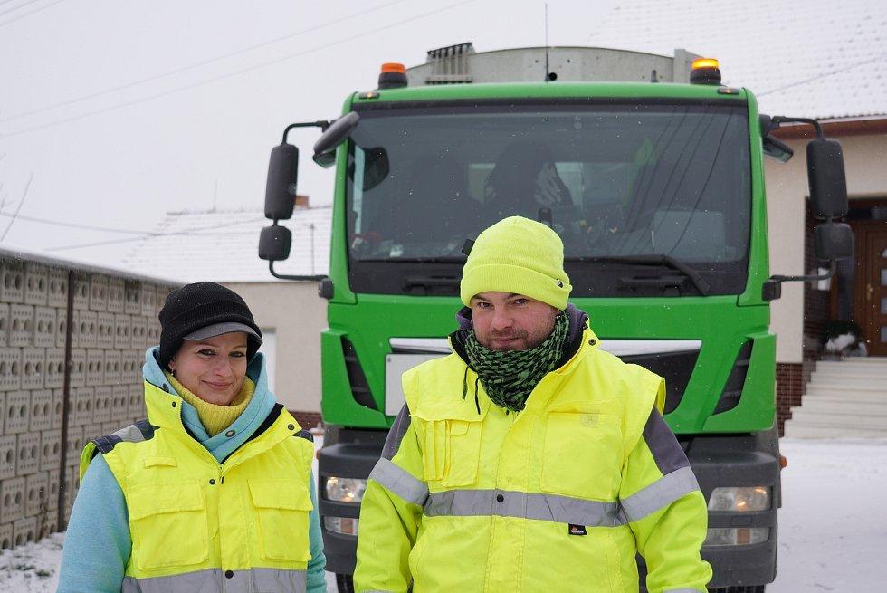 Vendula Herzogová z Velkých Pavlovic pracuje ve firmě na svoz odpadů na Břeclavsku.
