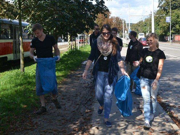 Studenti uklízeli centrum Brna.