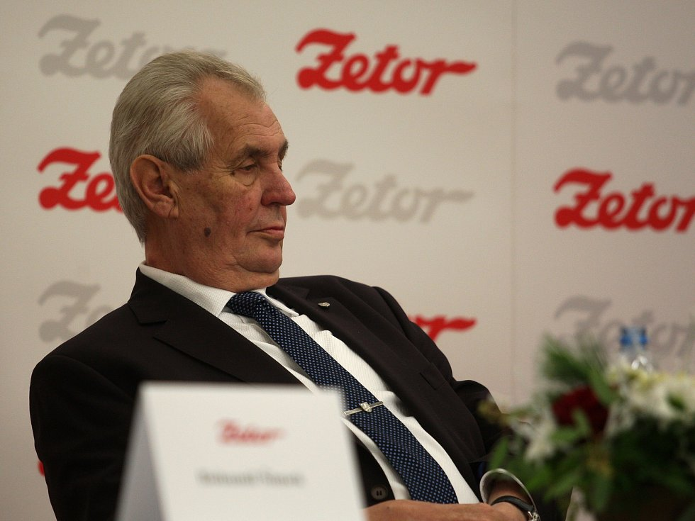 Třetí a poslední den návštěvy prezidenta Miloše Zemana v kraji. Navštívil brněnskou firmu Zetor a setkal se na debatě s občany Letovic.