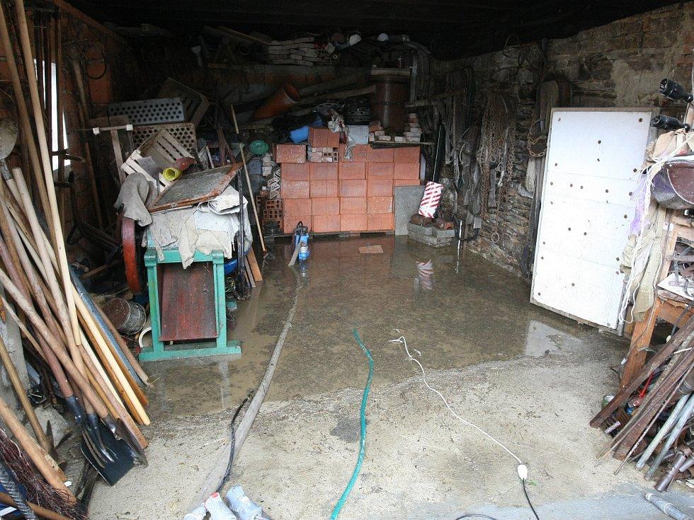 Přívalový déšť nadělal problémy i v Brumově na Tišnovsku.