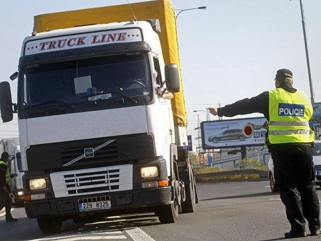 Kamiony už přes Nové Mlýny jezdit nebudou. Kvůli havarijnímu stavu mostu