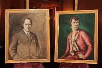 Památkáři spolu se Sdružením přátel vily Stiassni vrátili do domu obrazy původních majitelů Alfréda a Hermine Stiassni.