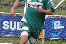 Útočník Pavel Los.