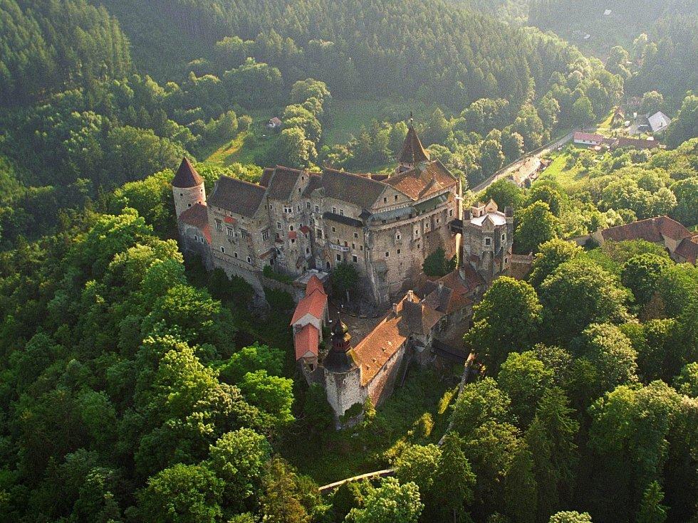 Samotnému hradu oheň překvapivě pomohl, podařilo se ho totiž za 70 milionů kompletně opravit a vyhořelou sýpku zatraktivnit. Podle památkářů je nyní památka krásná jako před pěti sty lety.