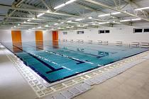 Do nového plaveckého bazénu v brněnských Řečkovicích přijdou první návštěvníci v červnu.