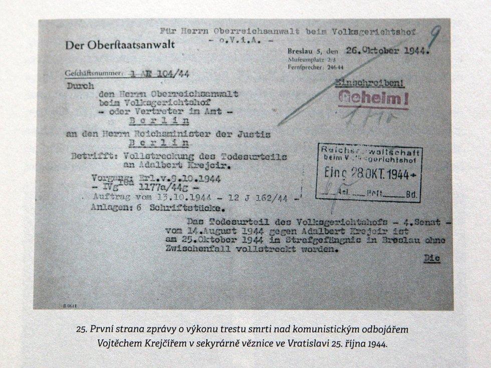 Kniha Brněnské gestapo 1939-1945 od Vladimíra Černého.