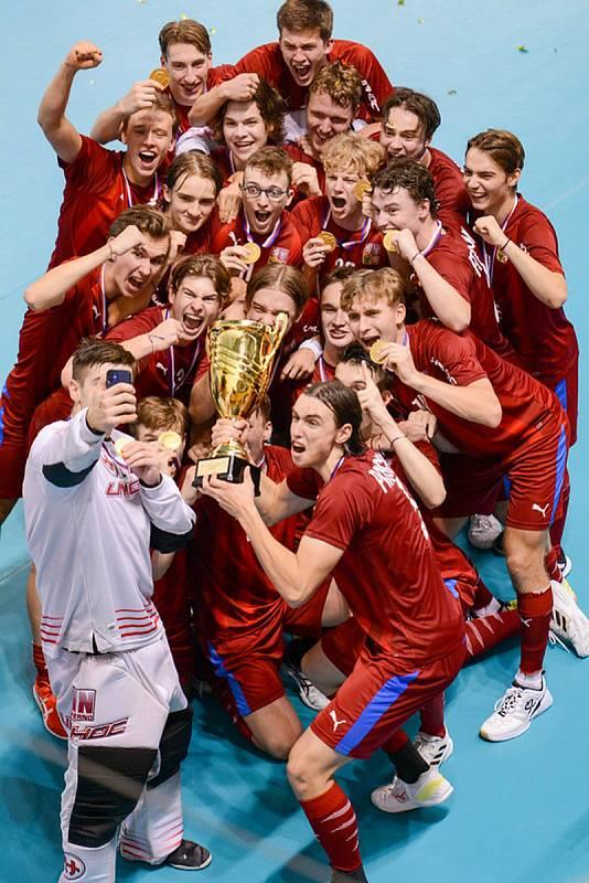 Čeští florbalisté ovládli domácí šampionát v Brně.