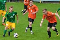 Zápas Olympia Ráječko (zelené dresy) vs. FC Ivančice. Ilustrační foto.