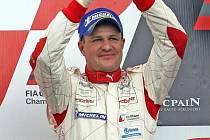 V závodě FIA GT 1 dojela posádka Tomáš Enge a Angličan Darren Turner na druhém místě.