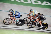 Přilbě Moravy předcházel na brněnském velodromu závod 500+1 kolo, který se konal v červenci (v černém závodník Dukla Praha).