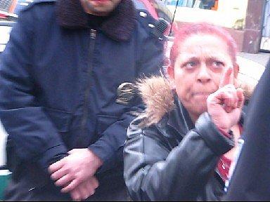 Policisté řeší v brněnské ulici Cejl ozbrojenou potyčku.