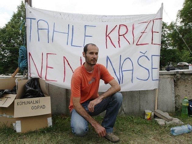 Aktivisté na Moravském náměstí chtějí vyvolat mezi lidmi diskuzi