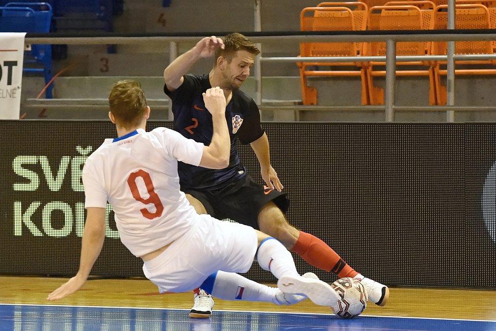 10.11.2020 - kvalifikae na mistrovství světa mezi Českou republikou v bílém (Tomáš Koudelka) a Chorvatskem (Vedran Matoševič)