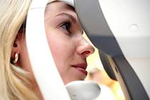 Zrak si mohli nechat vyšetřit Brňané, kteří zašli v pátek do nákupního centra Vaňkovka. Bezplatné změření očí i poradenství tam nabízeli optometristé a lékaři.