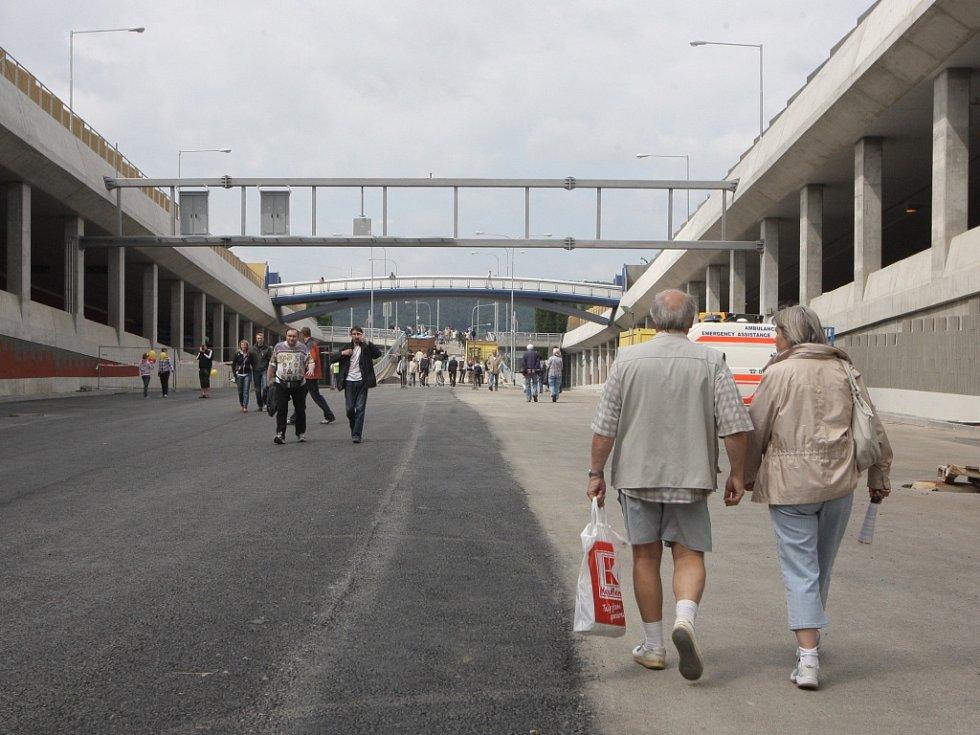 Už za tři měsíce projedou Královopolskými tunely první řidiči. Kdo si však chtěl prohlédnout kilometr a čtvrt dlouhou část městského okruhu v předstihu, měl šanci tuto sobotu.