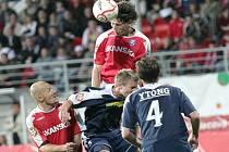 Kapitán Jan Trousil neměl při hlavičkových soubojích neměl konkurenci.