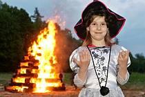 Čarodějnice se ve středu pálily na mnoha místech jižní Moravy. Svou vatru měli také v Útěchově.