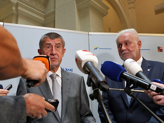 Předseda vlády v demisi Andrej Babiš při tiskové konferenci na krajském úřadě Jihomoravského kraje v Brně.