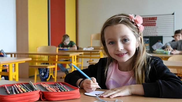 Místo zvonění učení podle čůrání. Děti v Brně se po pauze opět vrátily do škol