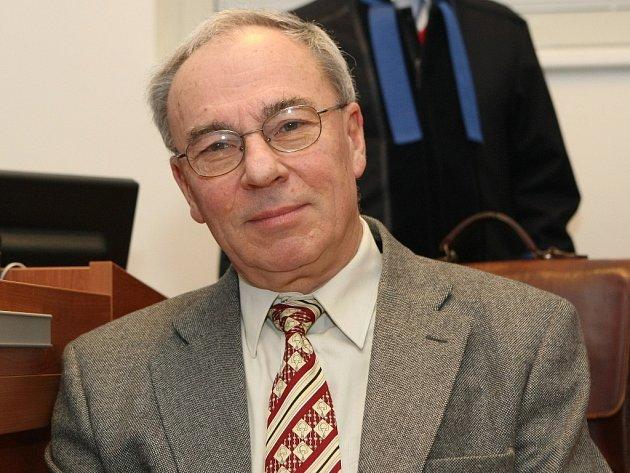 Primář ivančické nemocnice Aleš Soukal u soudu v Brně.