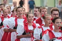 Krojovaní se bavili na hodech ve Šlapanicích.