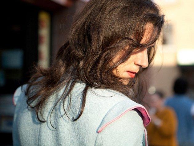Jedním z nejočekávanějších filmů letošních Mezipater je snímek Xaviera Dolana nazvaný Laurence Anyways. Titulní hrdina chce začít žít jako žena, kterou se cítí být.
