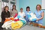 Fakultní nemocnice nakoupila polohovací pelíšky pro nedonošené děti.