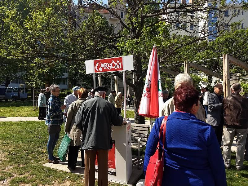 Oslava prvního máje příznivců Komunistické strany Čech a Moravy v Brně.