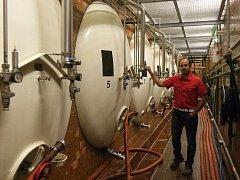 Místo, kde dodnes bez zraků návštěvníků dozrává zlatavý mok. Ležácké sklepy brněnského pivovaru Starobrno.