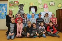 ZŠ Syrovice na Brněnsku. Na fotografii třída 1.A s třídní učitelkou Petrou Štěpkovou.