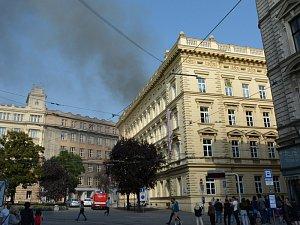 Výbuch v rektorátu Masarykovy univerzity. Dva dělníci jsou v kritickém stavu